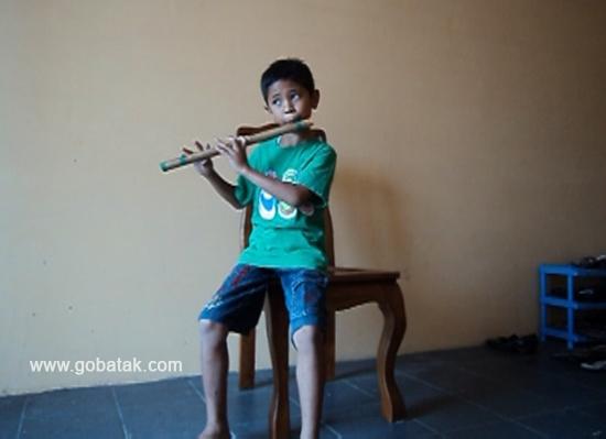 Musisi Batak Termuda Di Dunia