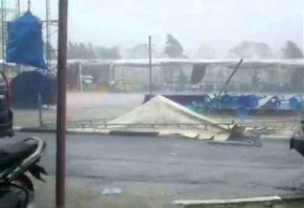 foto hujan badai